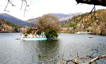 bhimtal_lake